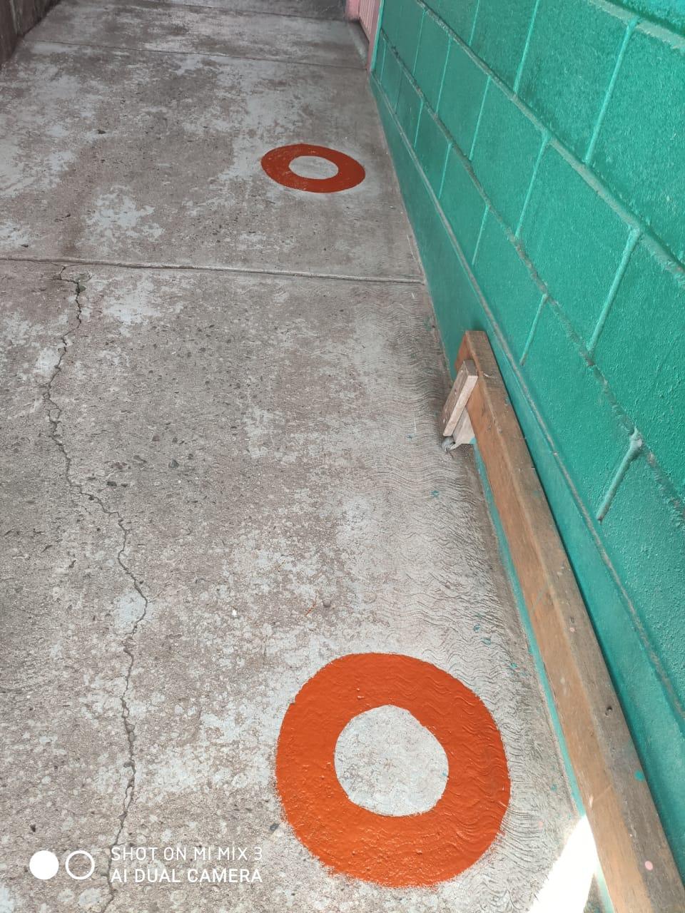 des cercles pour respecter les distances